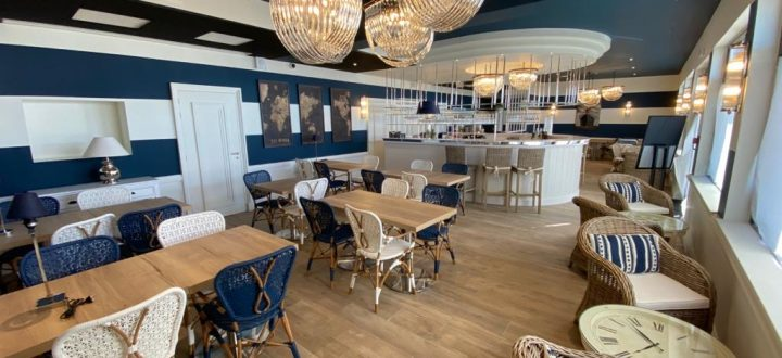 Seaside resort-Le Paquebot-restaurant-bar-Villerville-Deauville-Normandy