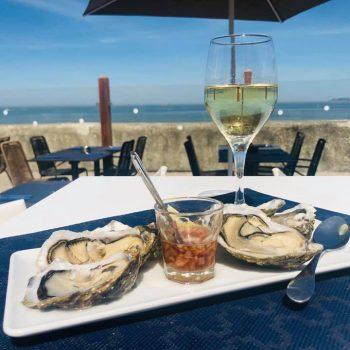 Assiette huîtres-Le Paquebot-terrasse-vue mer-Normandie-Deauville-Villerville