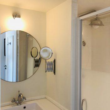 Hôtel Le Paquebot-salle de douche-cabine-Villerville-Normandie
