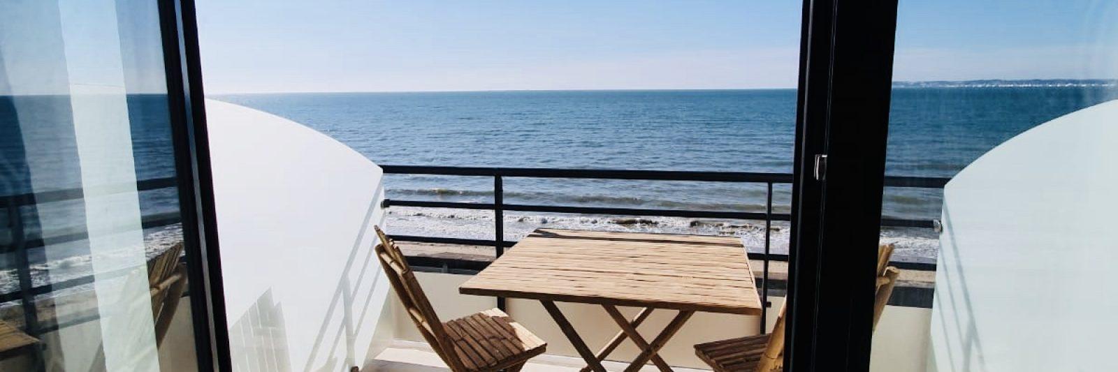 Cabines Confort-Hôtel Le Paquebot-Deauville-Villerville-vue mer-Normandie