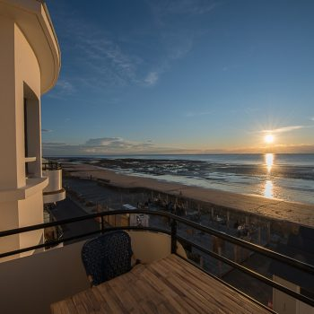 Le Paquebot-hôtel-restaurant-deauville-villerville-vue mer-face mer